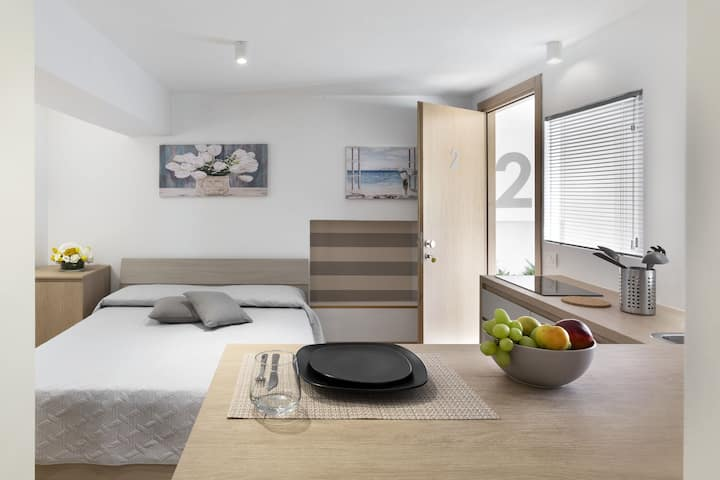 Modern Apartment Appt. To 2 with Wi-Fi & Smart TV; Parking Available