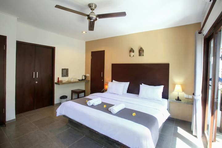 PROMO! Room with King size bed in Gili