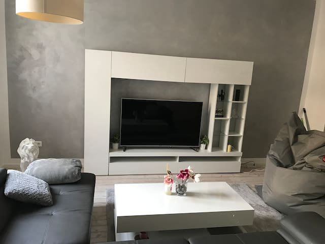 Quiet and cosy apartment close to Main Station - Frankfurt am Main