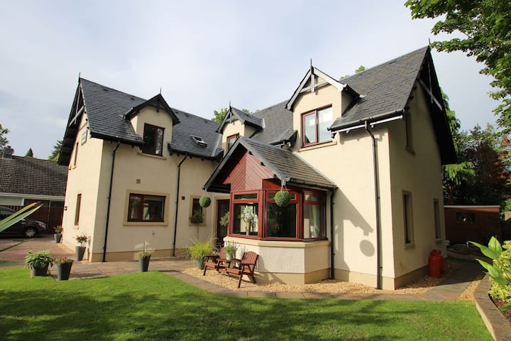 Ideal base for exploring Inverness & the Highlands