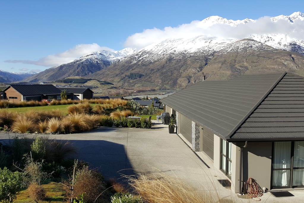 Stunning views and private parking inside own garage - Winter