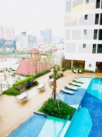 Herla Central Saigon RiverGate Ben Thanh Gym+pool