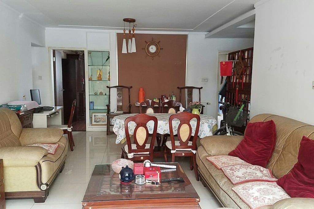 宽敞舒适的客厅。