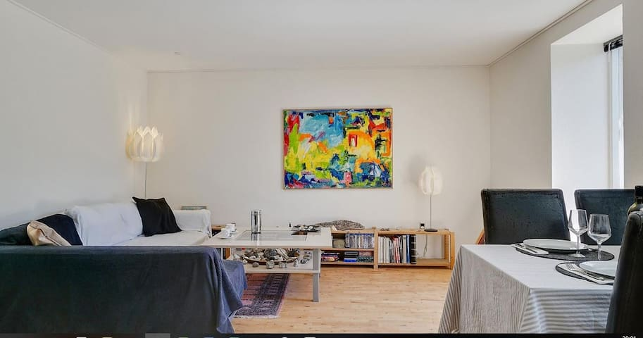 Lovely quiet/bright apartment-outside big cityrush