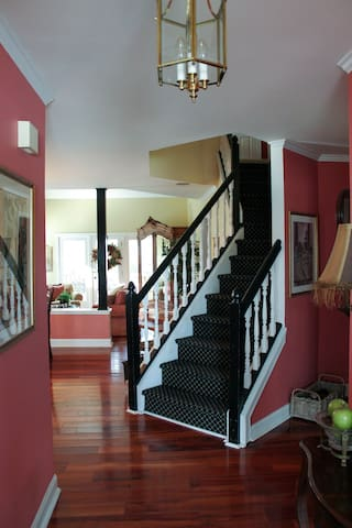 Private Three-Room Loft...(60-Day Minimum Stay) - Cary - Townhouse