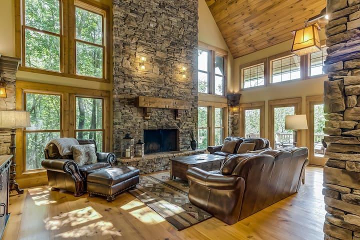 Dog-Friendly Mountain Cabin w/Shared Pool, Views, WiFi, Patio - Walk to the Lake