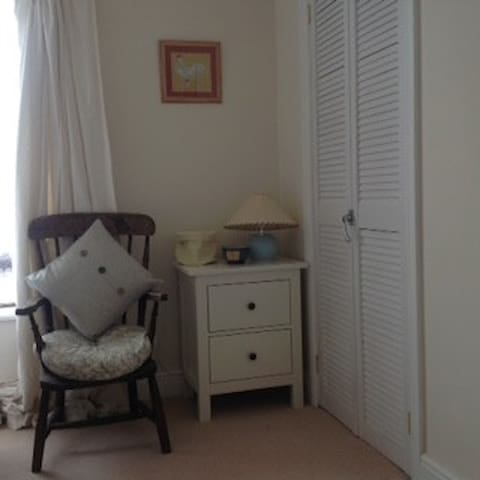 Cottage -open plan -twin room - Corpach - Bed & Breakfast