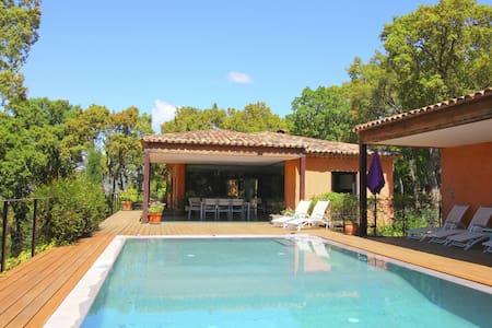 Spacious Villa in Le Plan-de-la-Tour with Pool