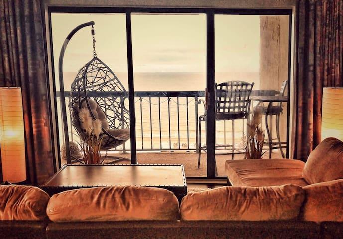 Ocean View 14th Floor! Monthly Discounts!