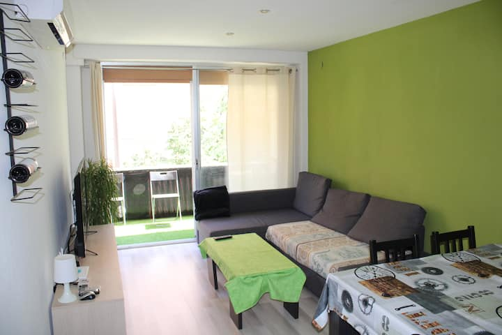 Double bed in nice doble bedroom in city center