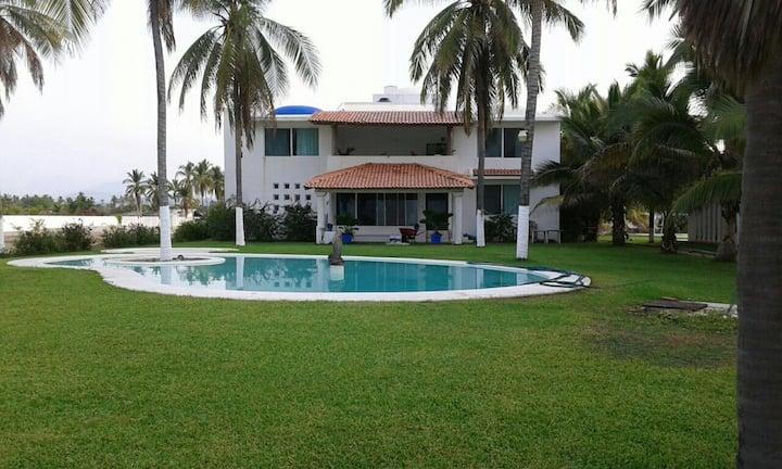 Amplia Casa a 30 minutos del Centro de  Acapulco