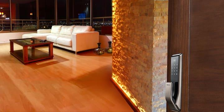 Apartamento Amueblado Tres Dormitorios / Centro