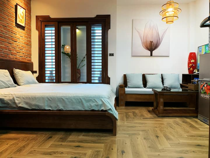 Furnished studio Wooden Style, near Ba Dinh Square