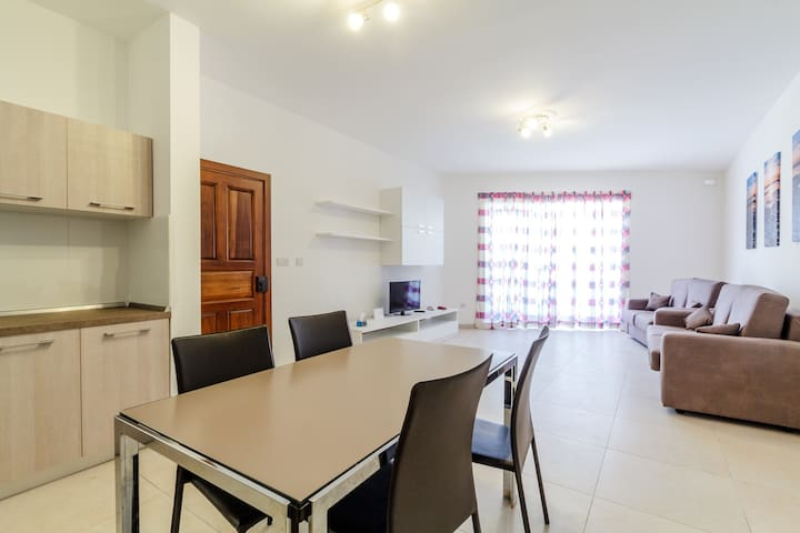 Cosy, Contemporary and Central Brand New Apartment - Birkirkara - Apartment