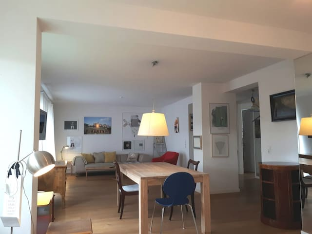 Quiet large 2 room artist loft Braunsfeld ESL One