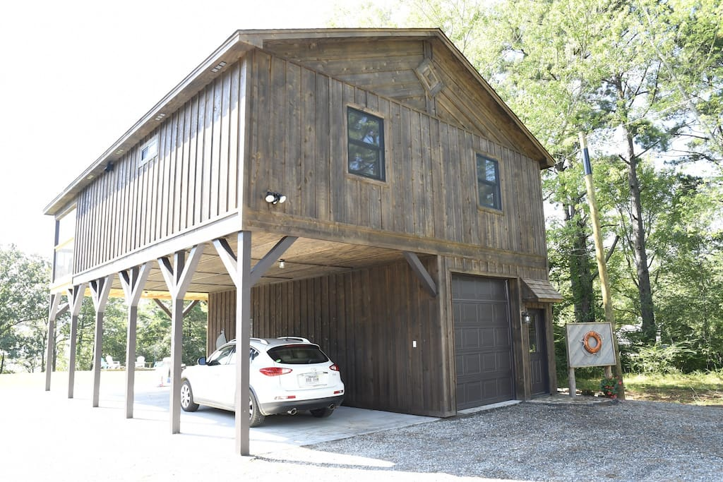 Cove Creek Boathouse - covered parking for one vehicle