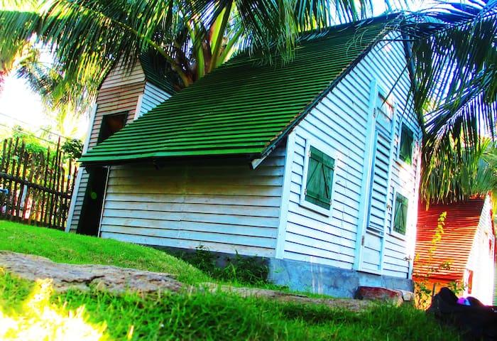 PHU NAM HOUSE - BUNGALOW