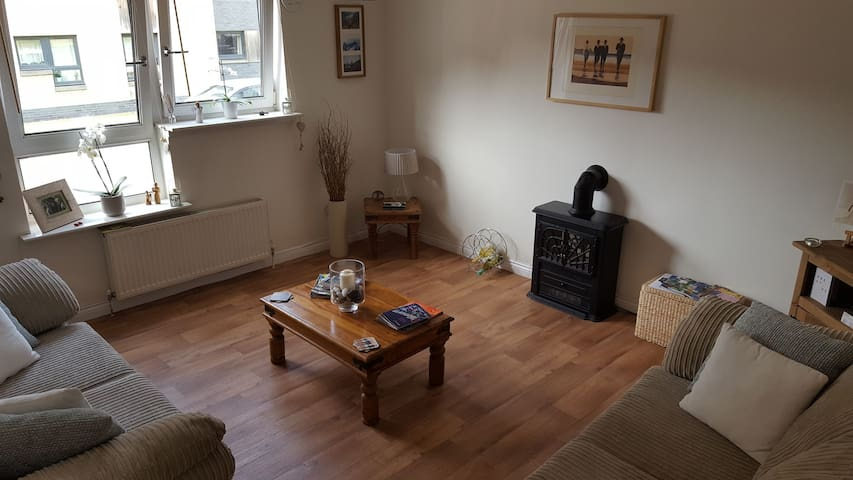 Cosy East End Flat, Plenty Free Parking!