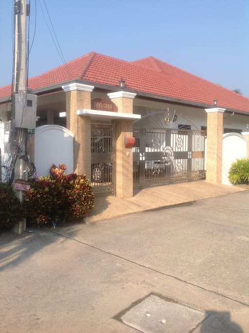 350 sqm house and no traffic