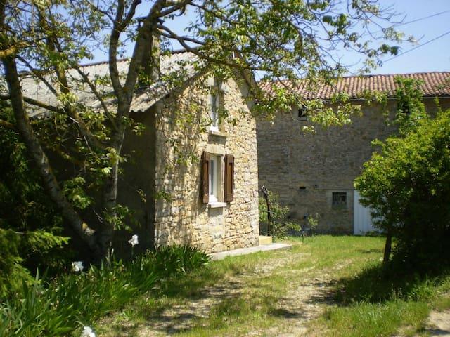 Gîte au pied des caves de Roquefort - Saint-Jean-d'Alcapiès - Talo
