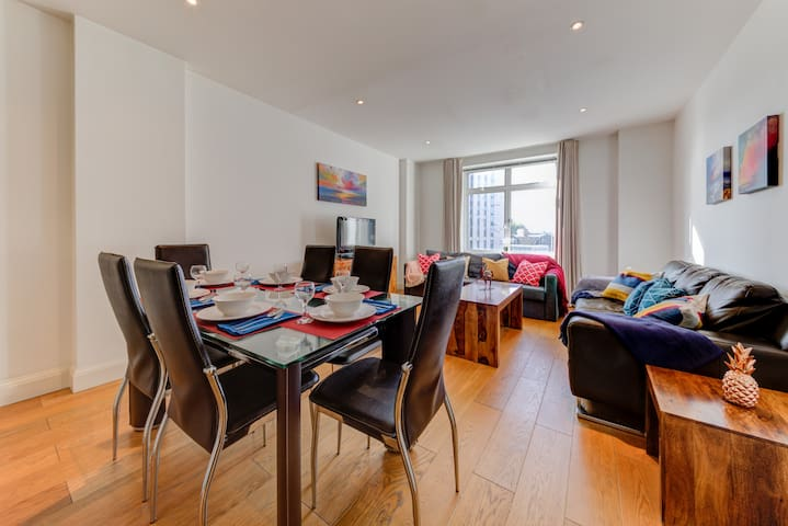 -20%! Stylish and specious 2 bedroom Vauxhall