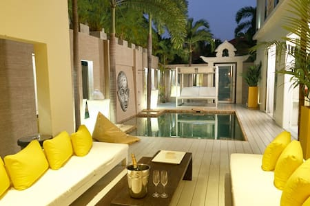 Luxury 3 Beds Pool Villa Amaya *****