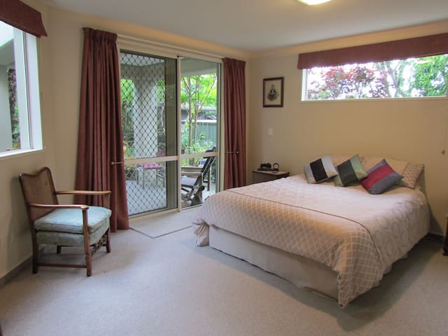 Sea Haven Homestay B&B - Paraparaumu - Bed & Breakfast