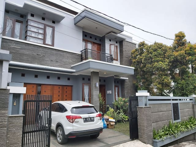 "INCHITA HOUSE # 1 a cozy house around ""DAGO"""