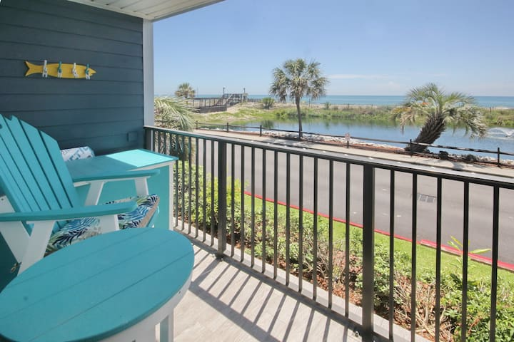 Beautifully Renovated Ocean-Front Condo