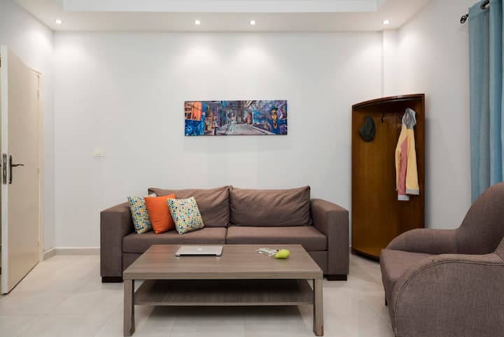 ★ Layla's 1-Bedroom Apt in Mar Mikhael + Terrace