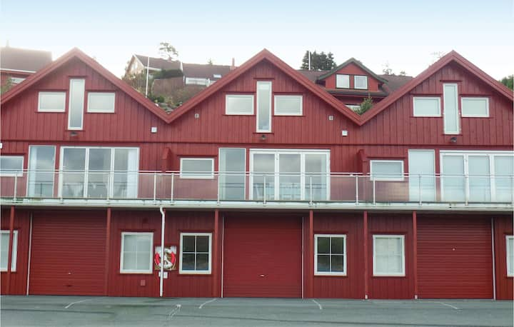 Nice home in Lindesnes with 3 Bedrooms