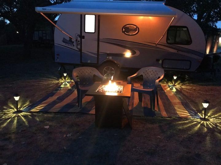 Tiny Campin'
