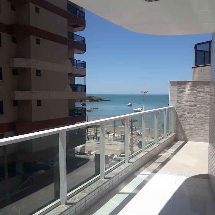 Apartamento novíssimo a poucos passos da praia !!