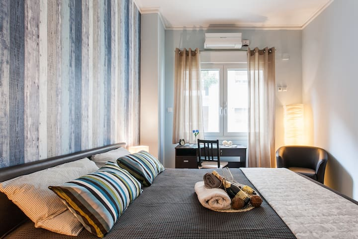 """""""Thank you for a great accommodation! The place was in a walking distance from the centre and Acropolis. Rooms were clean and tidy and modern. AC was definitely a big plus. We also got personal tips for our trip and really enjoyed our stay."""" Juulia, summer 2017"""