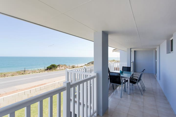 Blue Bay Beach Stay Weekly/Monthly Disc Sleeps 10