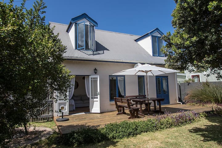 Rustic, romantic Kommetjie cottage - Cape Town