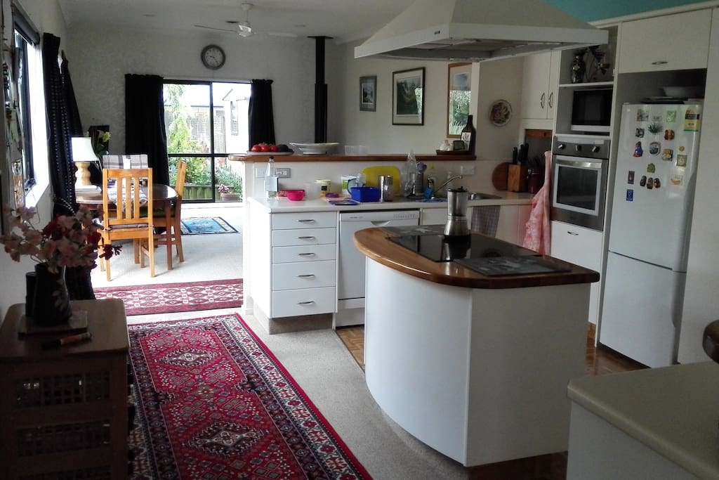 home away from home maisons louer tauranga baie de l 39 abondance nouvelle z lande. Black Bedroom Furniture Sets. Home Design Ideas