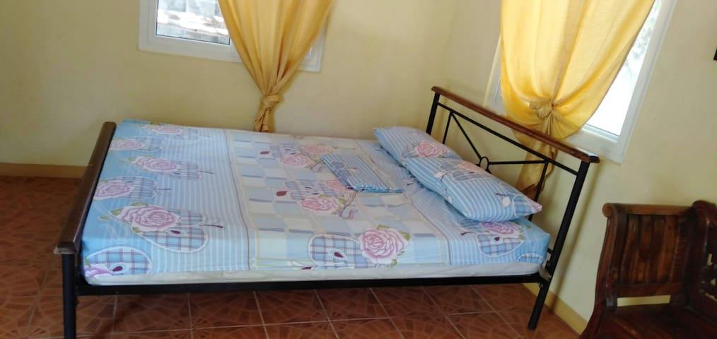Langub Malapascua front beach (fan room)