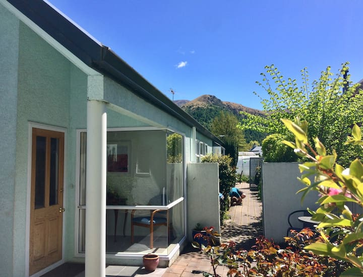 Great location-sunny, comfy home - Arrowtown Stay