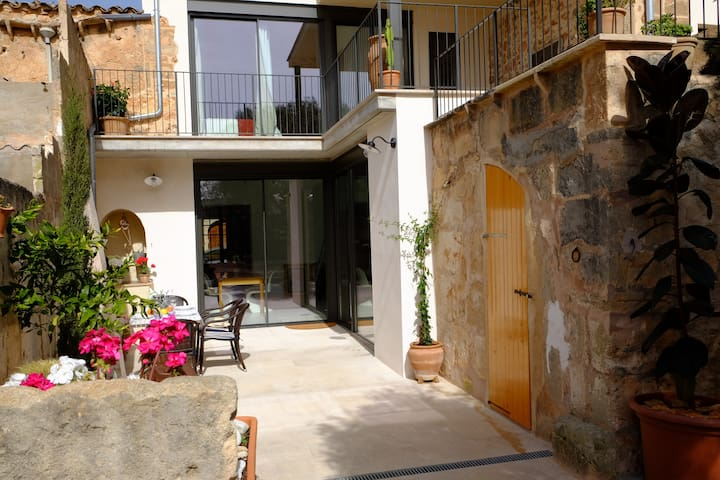 Lovely renovated townhouse in Campos