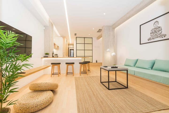 [Bonni]-Luxury Minimal Apartment in Athens !