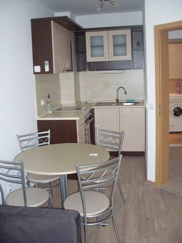 Квартира в Бургас жк.Лазур ул.Перущица 16 - Burgas - Apartment