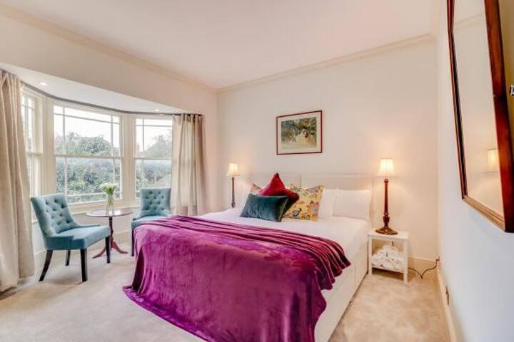 St Alphege, Canterbury - Room 3