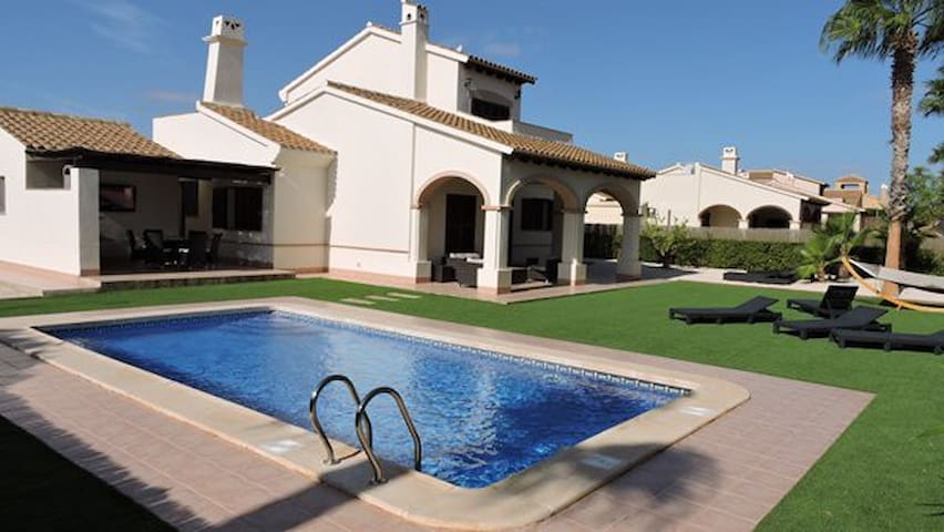 HL034 Super luxurious villa,HDA golf resort