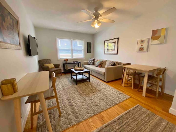 The Book Nook-Extended Stay, W/D, DW, 2BR, Pets OK