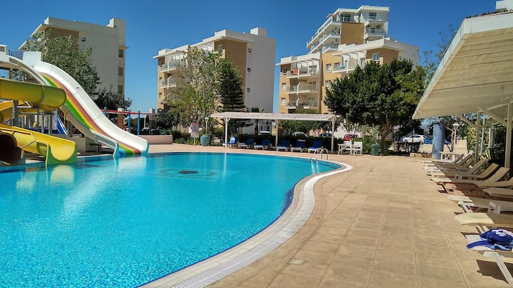 Шикарные апартаменты на берегу Средиземного моря