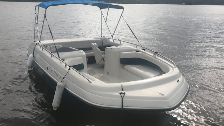 20ft Crownline Deck boat !! Near Smith Lake Marina