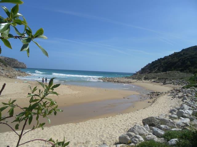 Casa Tabu, T1 perto das praias do Zavial e Ingrina