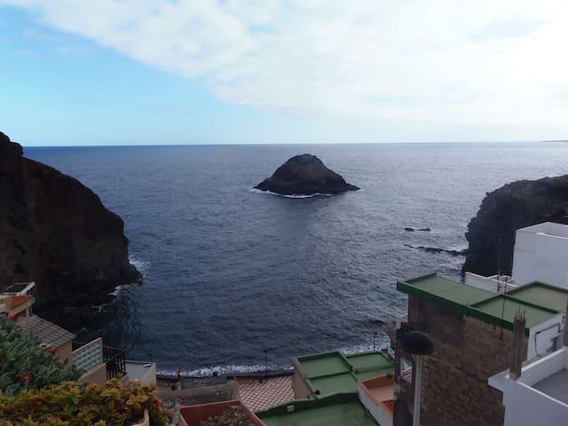 Bonito apartamento sólo 10 metro dlmar en Tenerife - Los Roques - Apartment