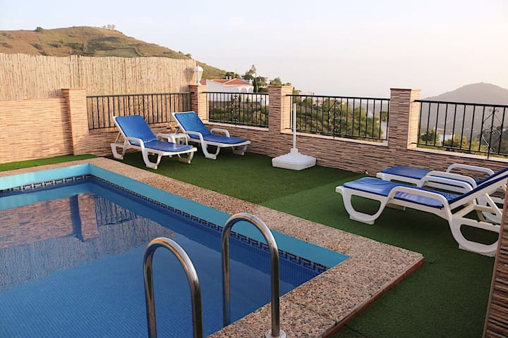 """Beautiful Holiday Home """"Cortijo las Vistas"""" with Mountain View, Wi-Fi, Terrace & Pool; Parking Available, Pets Allowed upon Request"""